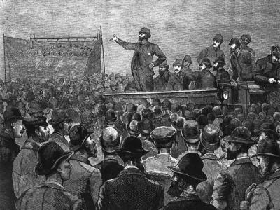 John Burns addressing a meeting during the strike of 1889. © National Maritime Museum, London